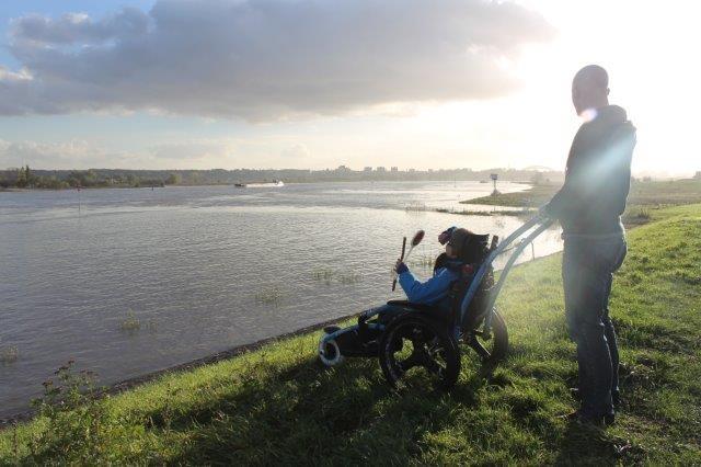Struinen door Park Lingezegen met de all terrain rolstoel!