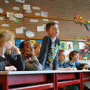 Kinderen oefenen het Jeugd-Groen-Debat